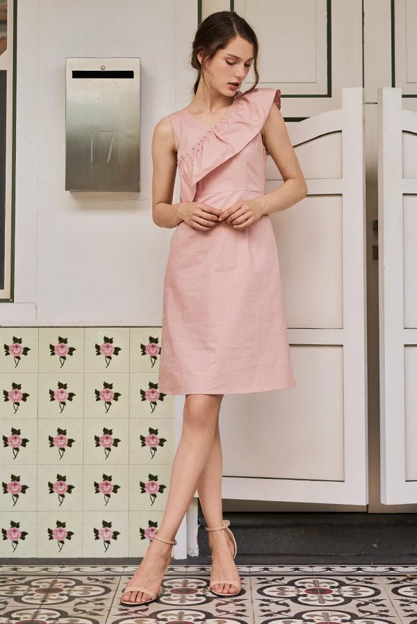 Marlin Ruffled Dress in Pink