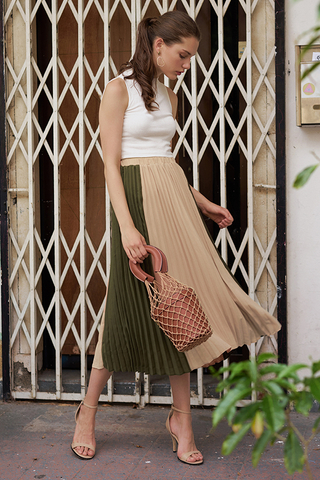 Estella Colourblock Two-Way Pleated Midi Skirt in Nude