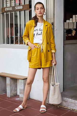 Ellyse Shorts in Mustard