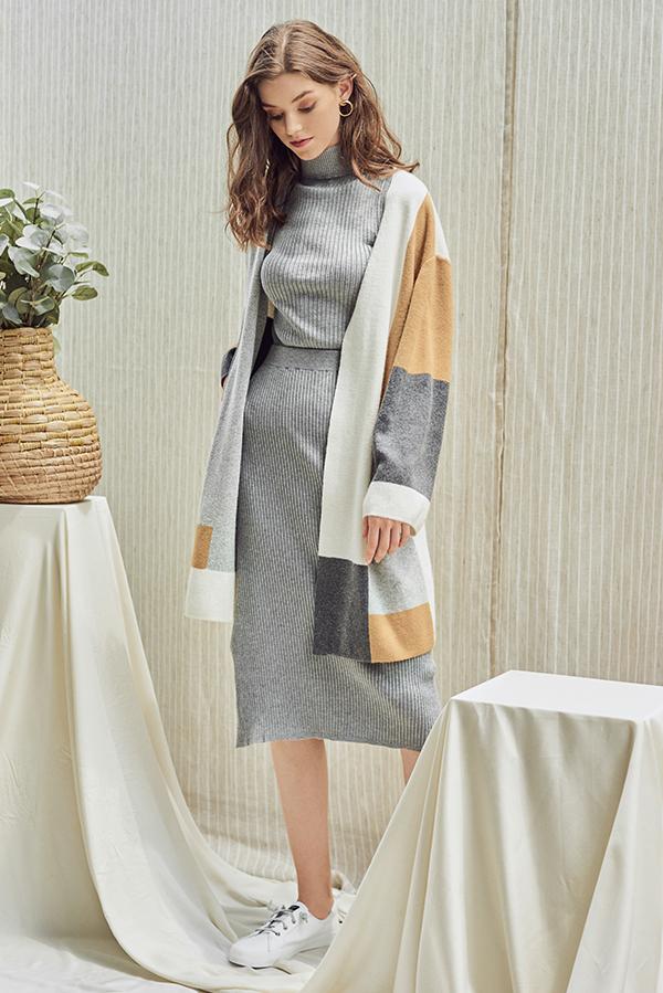 Renata Knitted Midi Skirt in Grey