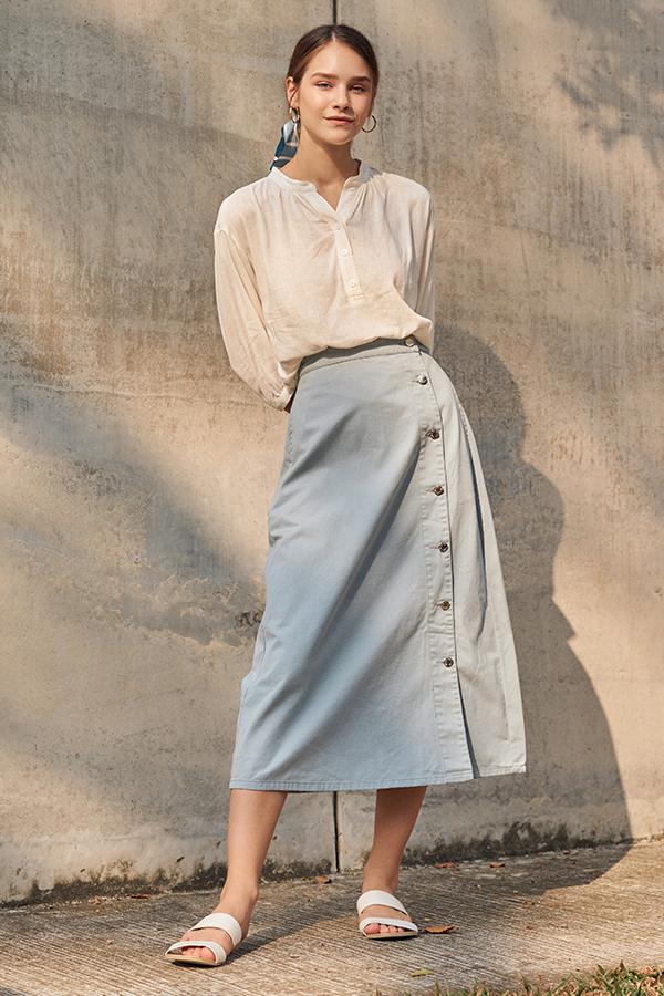 Baylee Denim Midi Skirt in Denim Blue