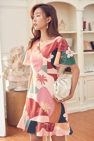 Karlee Sleeved Dress in Prosperity