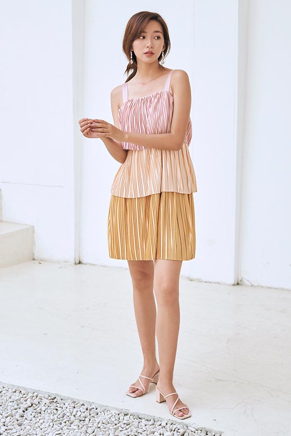 Laina Colourblock Pleated Dress in Pink