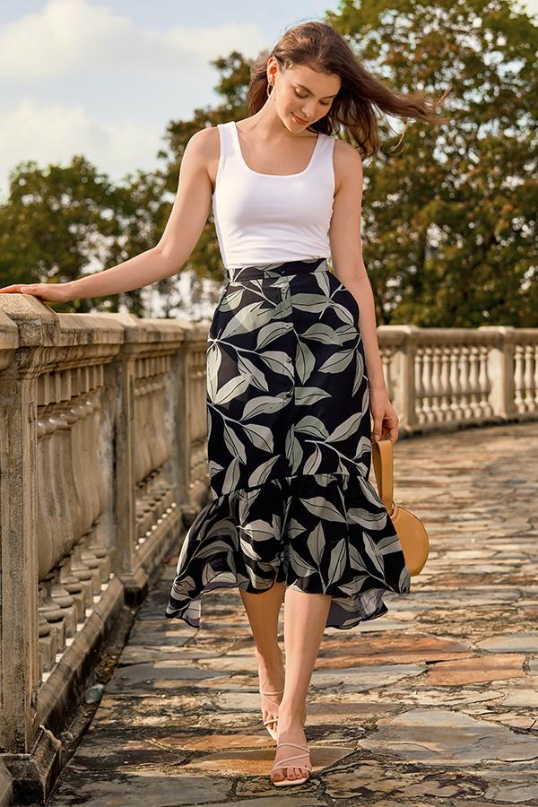Cadelia Ruffled Midi Skirt in Black