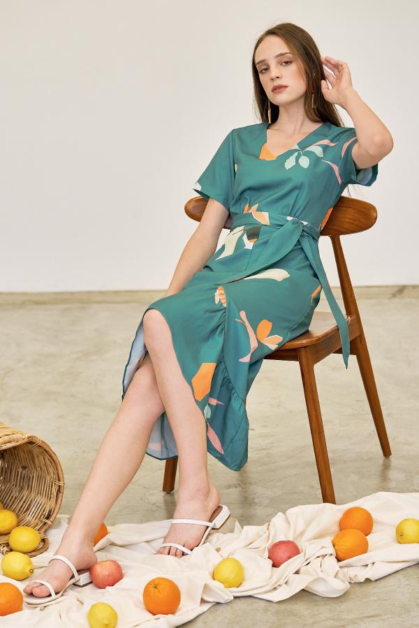 Kolorit Sleeved Midi Dress in Teal