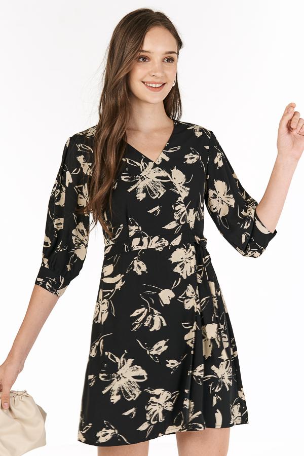 Analia Sleeved Dress in Black