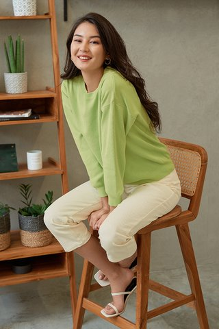 Arietta Knitted Pullover in Pear Green
