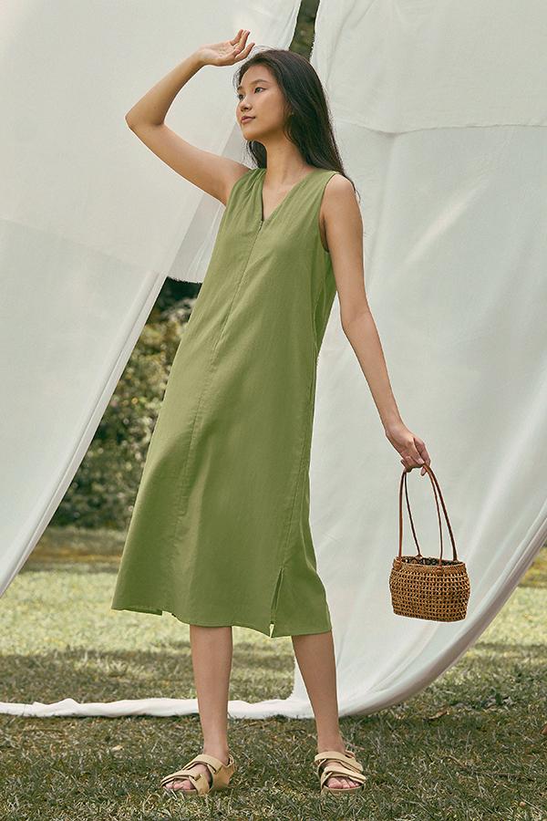 Kaylee Two Way Midi Dress in Pistachio