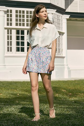 Endria Floral Shorts in Lilac