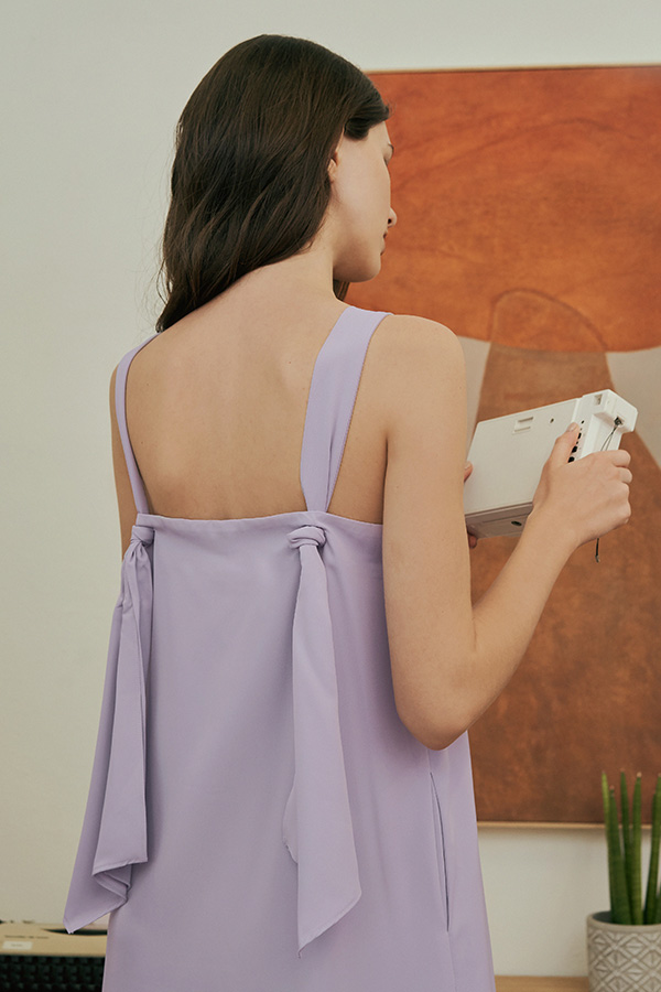 Avien Knotted Back Midi Dress in Lilac